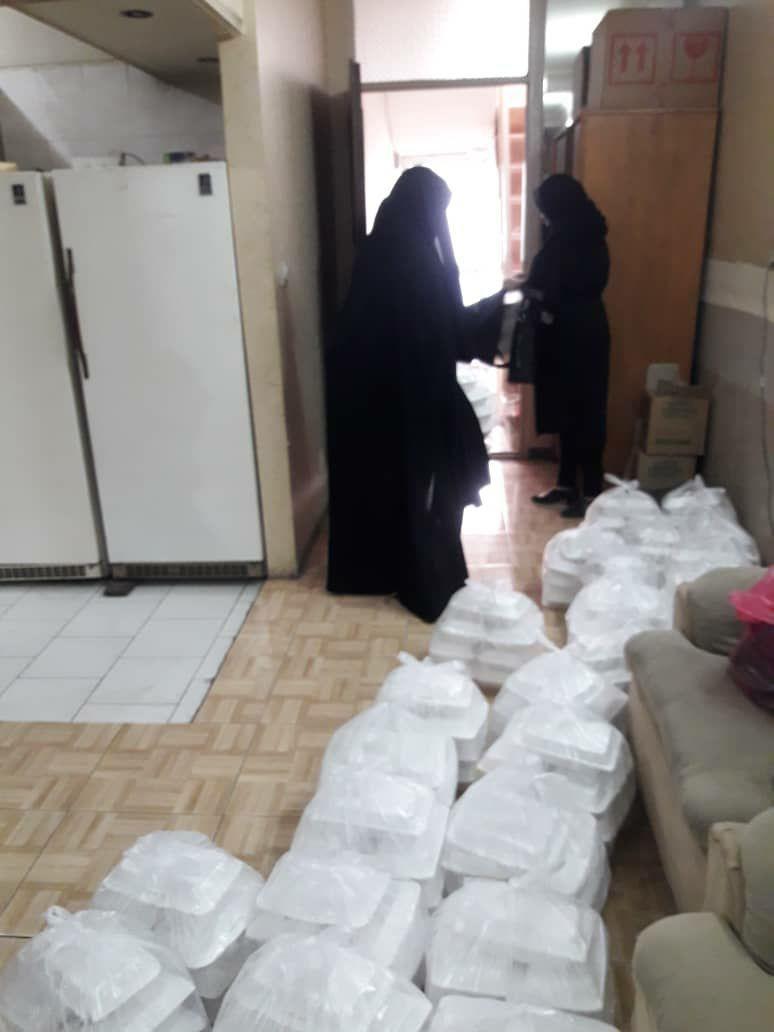 توزیع غذای نذری به مناسبت اربعین حسینی